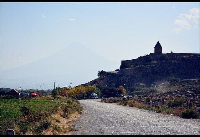 [新聞] 亞美尼亞,世界上第一個將基督教定為國教的國家。亞拉臘山,大洪水後諾亞方舟停靠的地方。